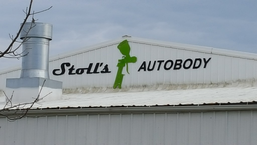 Stoll's Autobody Custom sign